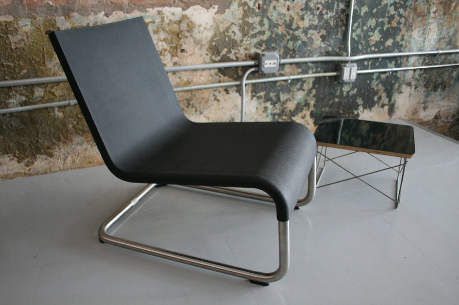 Vitra 06 lounge chair gr shop canada for Vitra lounge chair nachbau