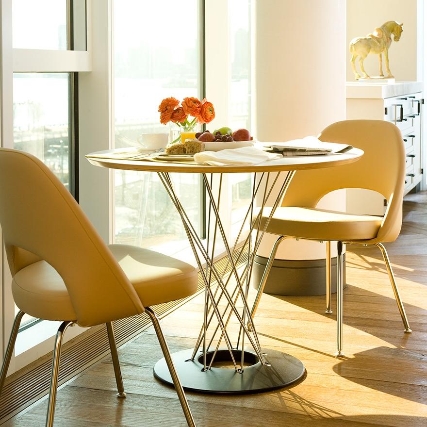 Knoll Eero Saarinen Executive Armless Chair Tubular Legs And Glides GR
