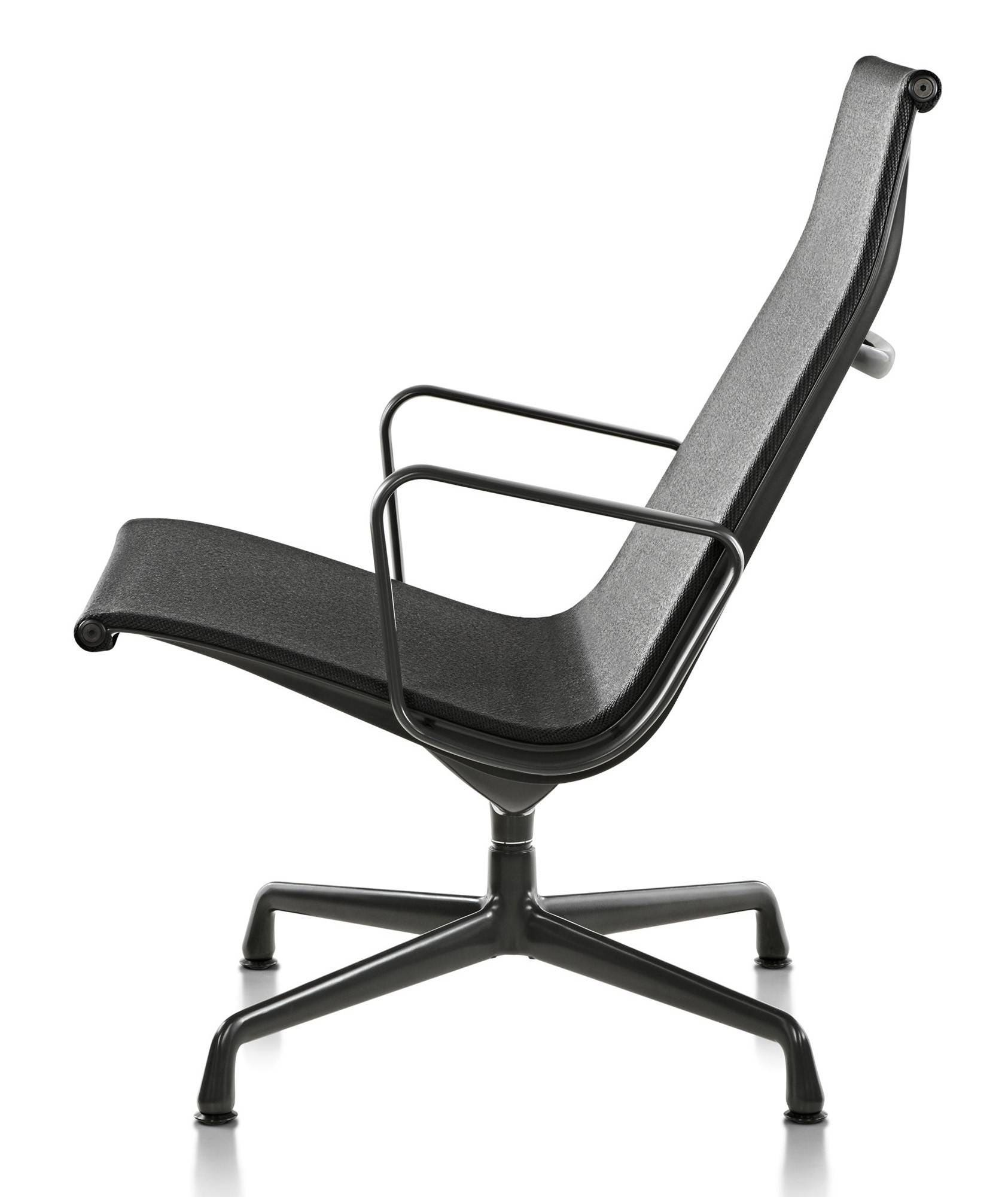 Herman Miller Eames Aluminum Group Lounge Chair Outdoor