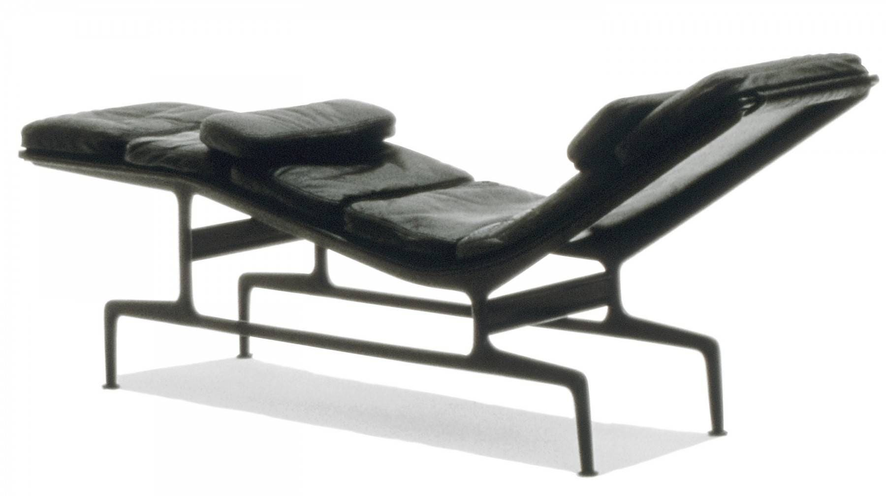 Herman miller eames chaise gr shop canada for Eames chaise