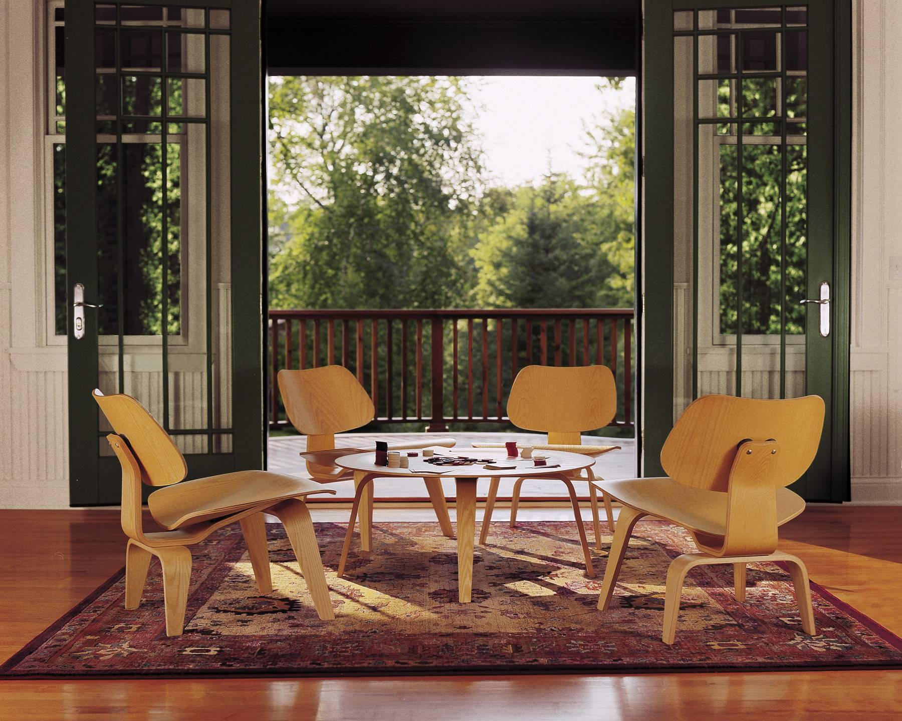 Eames plywood desk chair - 1