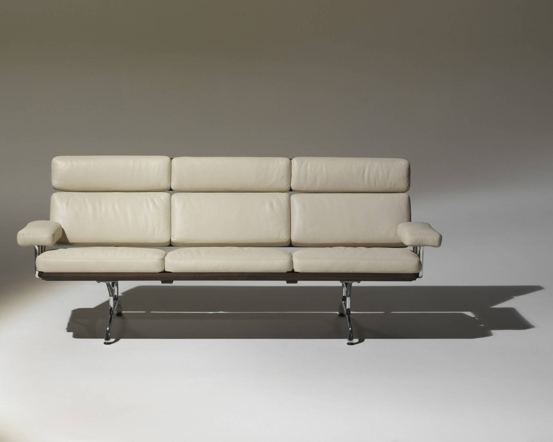 eames couch eames sofa by herman miller at 1stdibs 9091