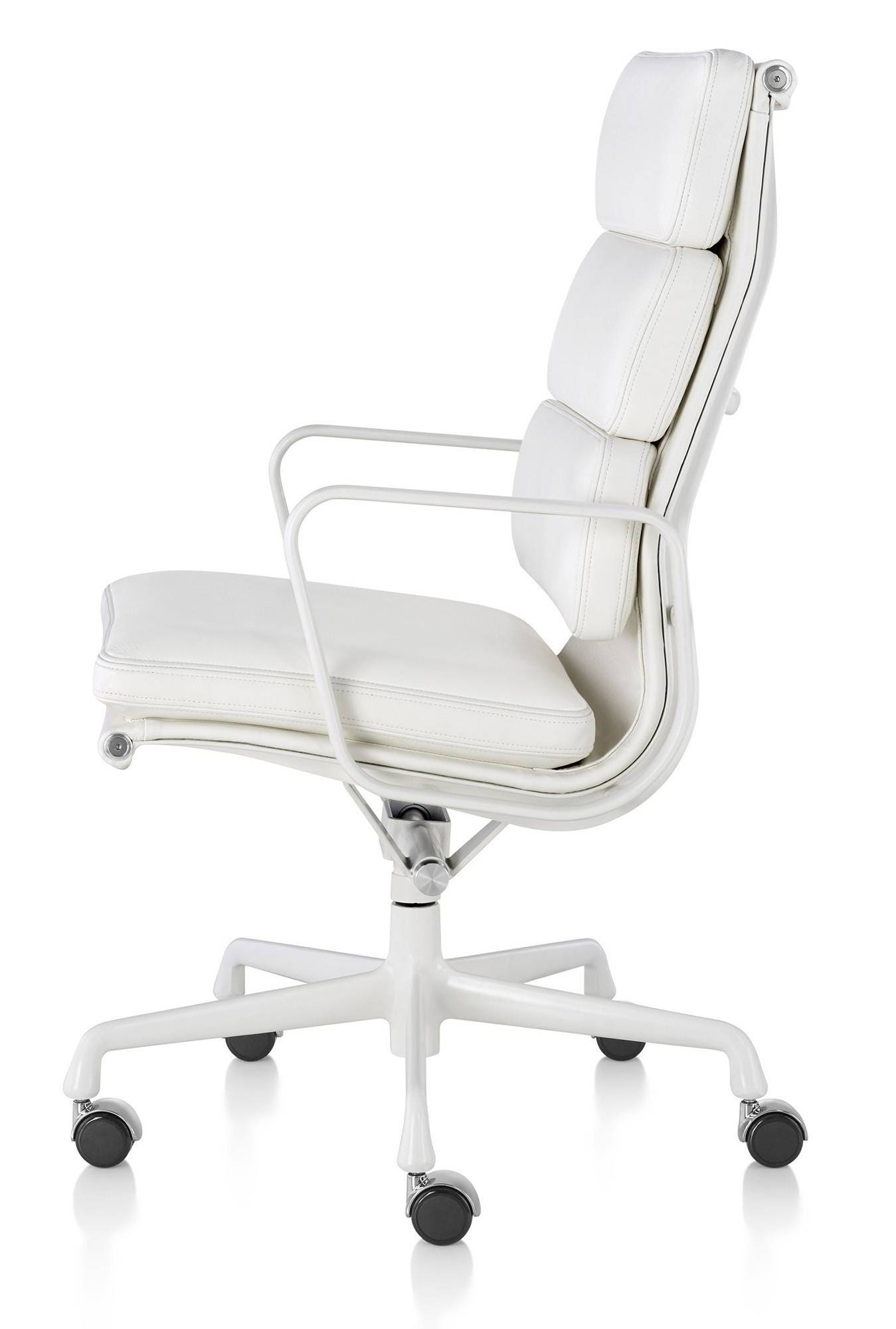 Herman Miller Eames Soft Pad Chair Executive GR