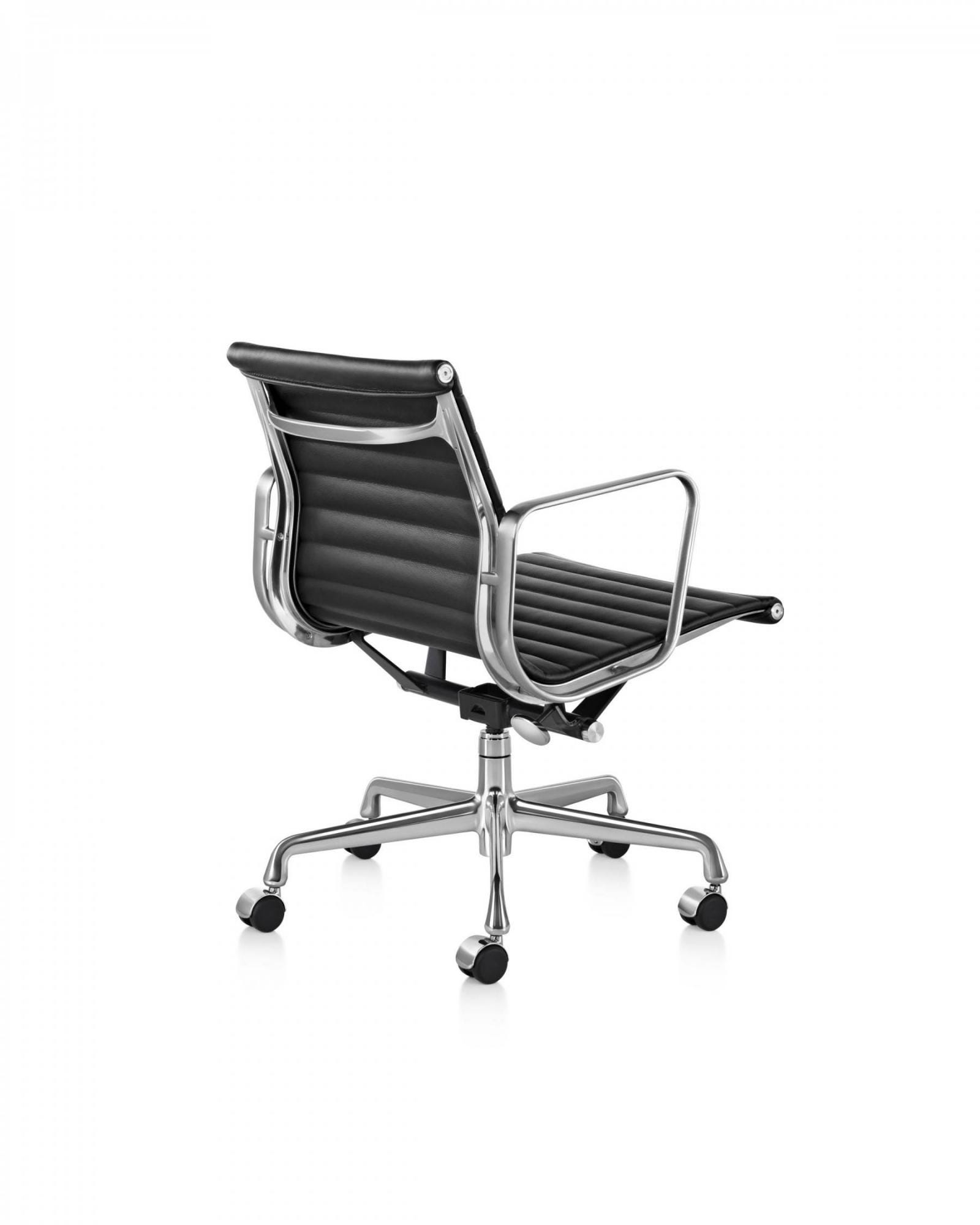 herman miller eames aluminum group management chair. Black Bedroom Furniture Sets. Home Design Ideas
