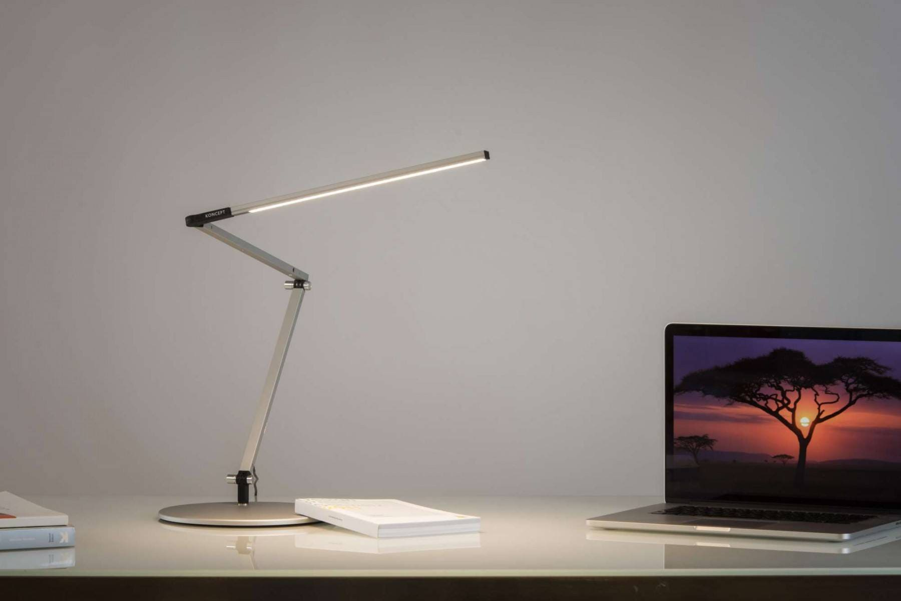 Koncept Z Bar Slim Task Lamp
