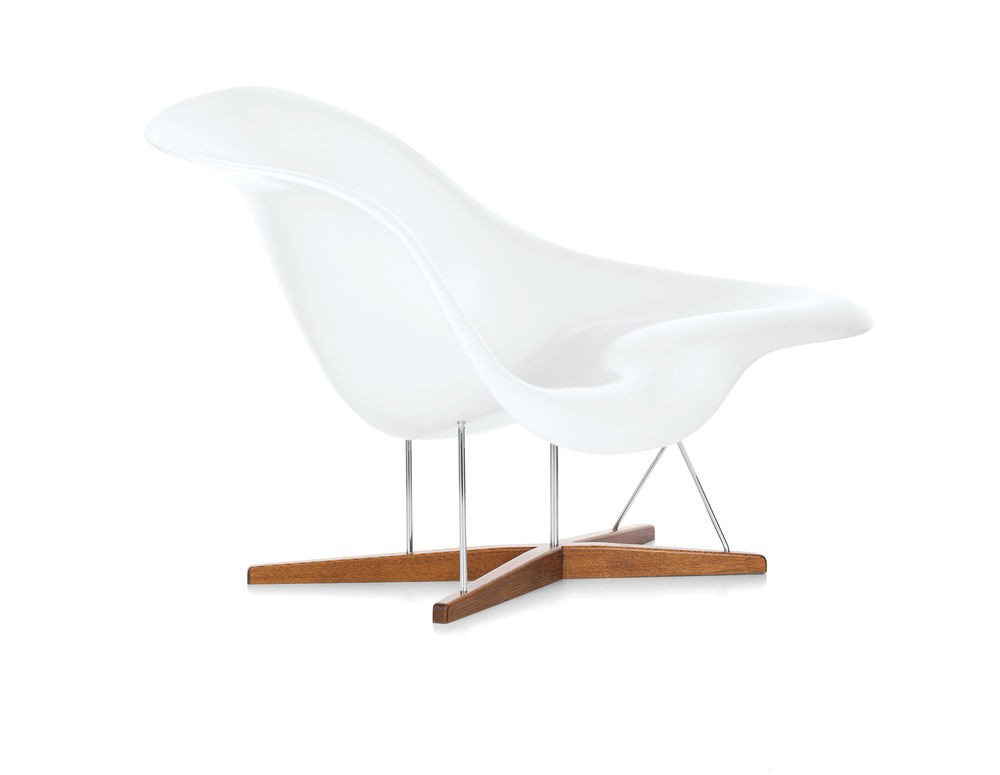 Vitra eames la chaise chair gr shop canada for Eames chaise