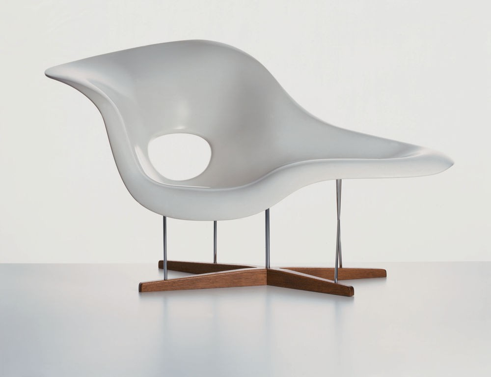 Vitra eames la chaise chair gr shop canada for Charles eames chaise a bascule
