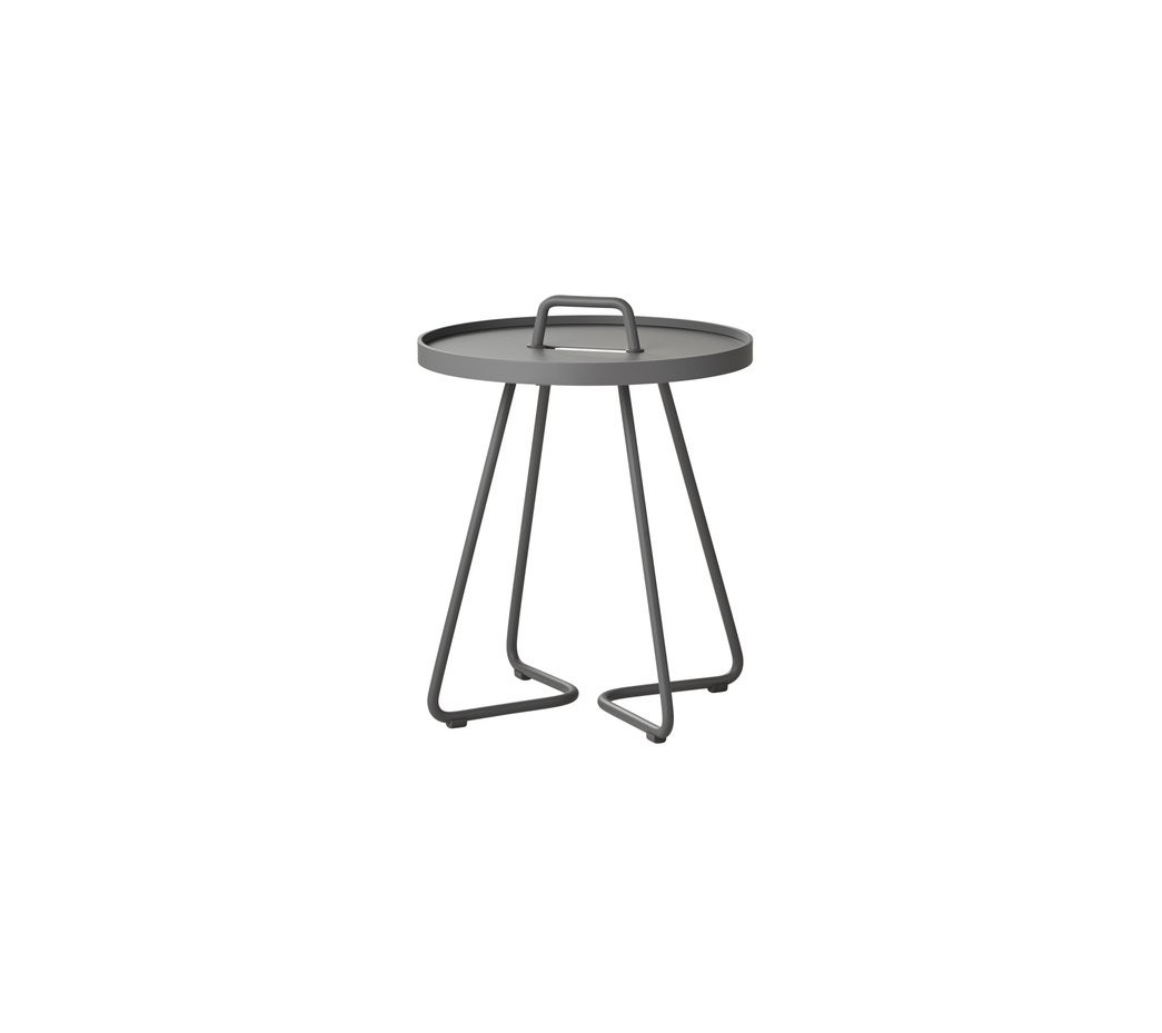 Extra Smalle Sidetable.Cane Line On The Move Side Table Extra Small 5062 Light Grey