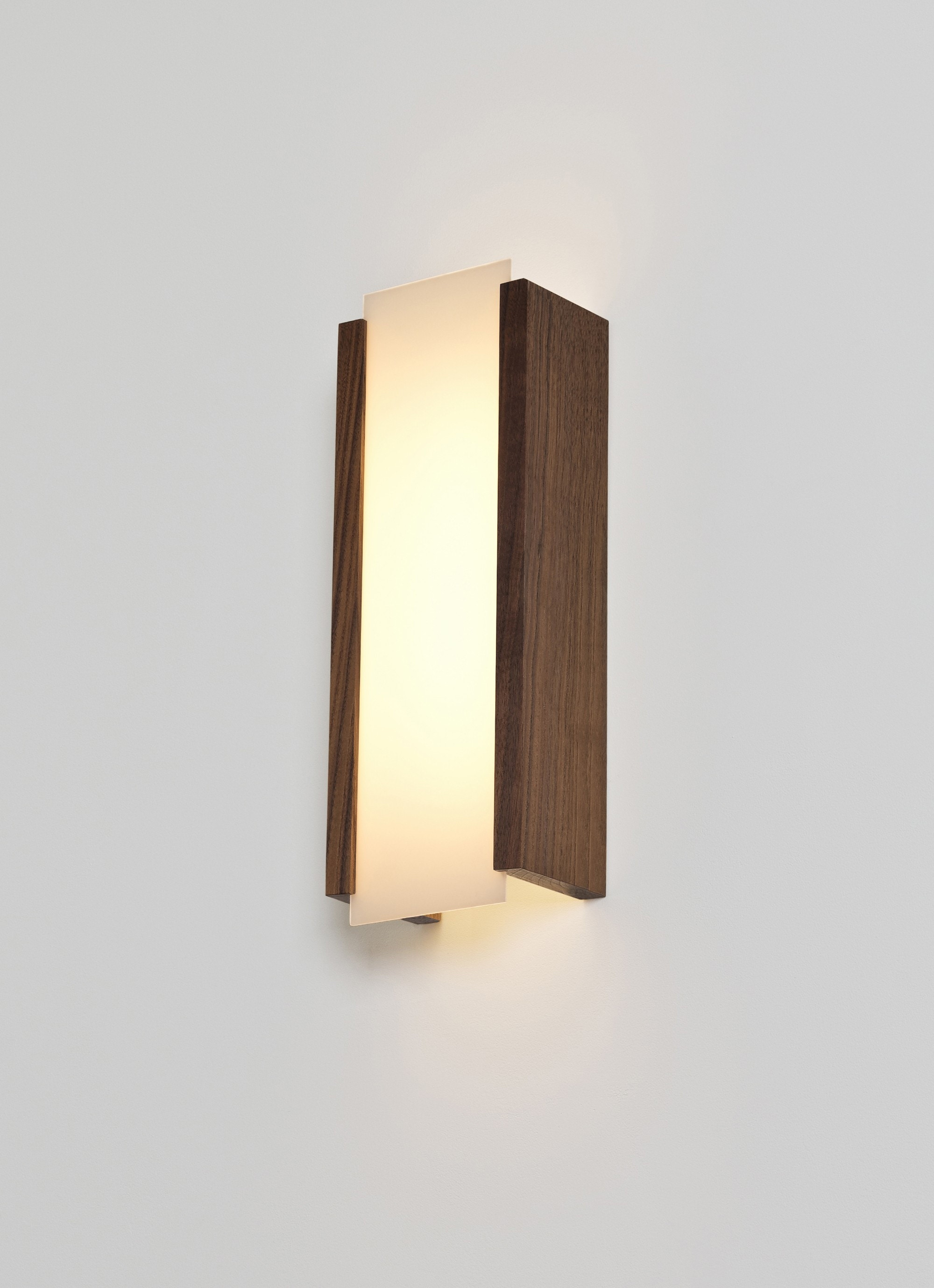 Cerno Capio Wall Lamp