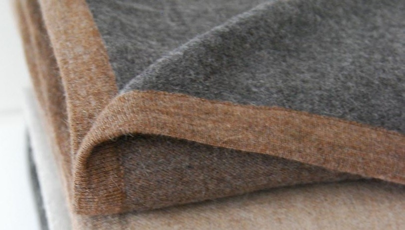 Area Bedding Hugo Reversible Brown/Grey Throw