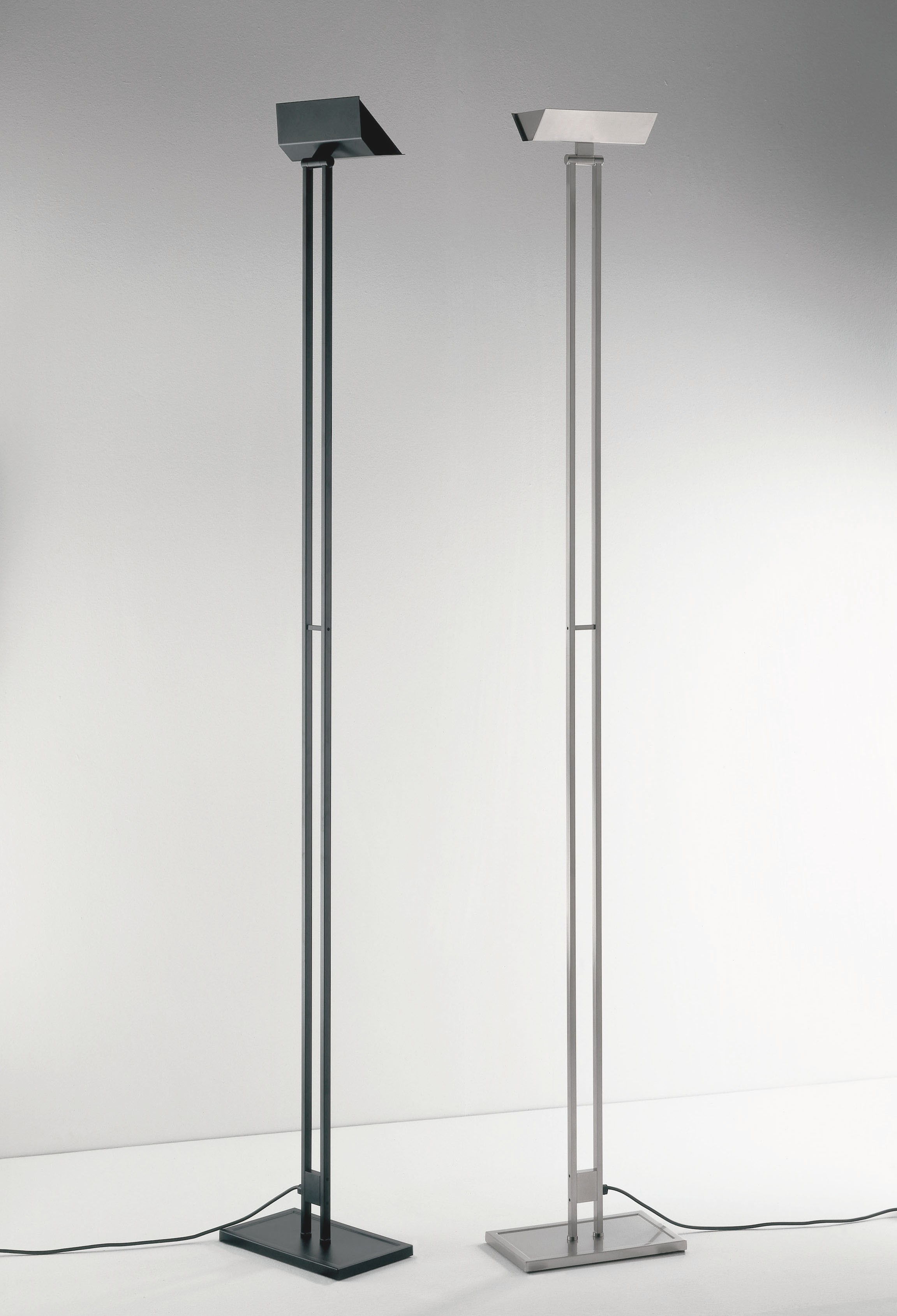 Lumen Center 555 Floor Lamp