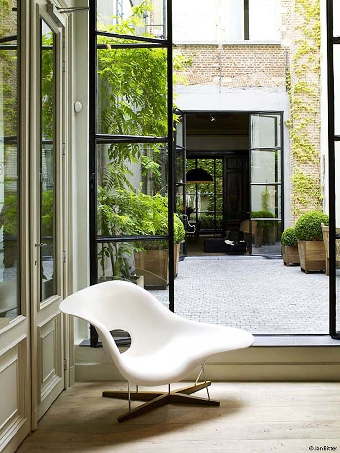 Vitra eames la chaise chair gr shop canada - Chaises eames montreal ...