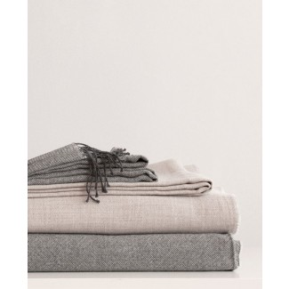 Area Bedding Elliot Blanket