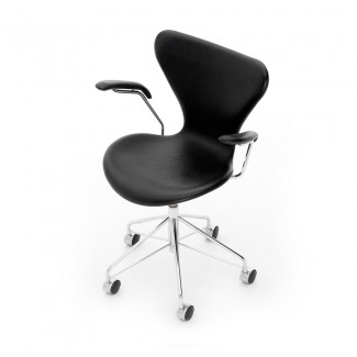 Fritz Hansen Series 7 Swivel Armchair (Fully Upholstered)