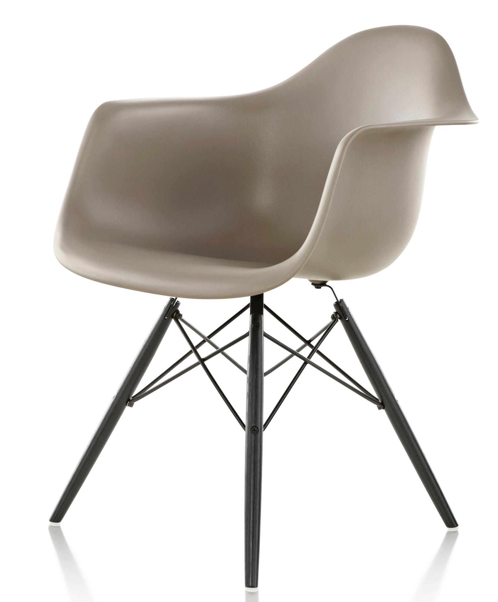 Herman miller eames molded plastic armchair gr shop canada for Eames plastic armchair gunstig